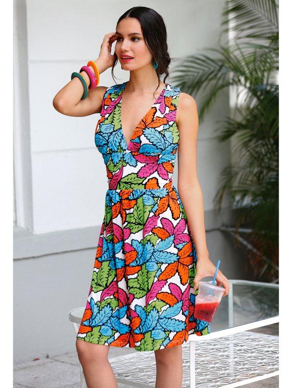 Vestido de espalda cruzada de Venca 19,99€