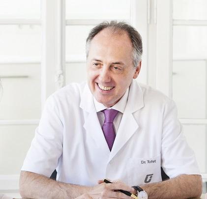 Dr.JaimeTufet,DirectordelaClínicaTufet